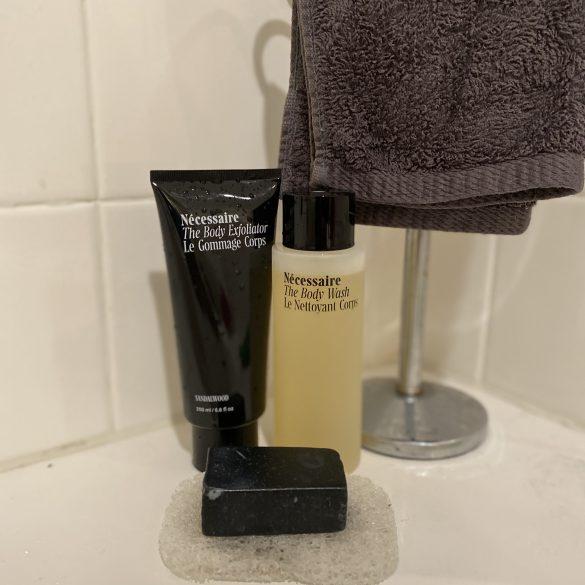 Necessaire Body Wash Duo
