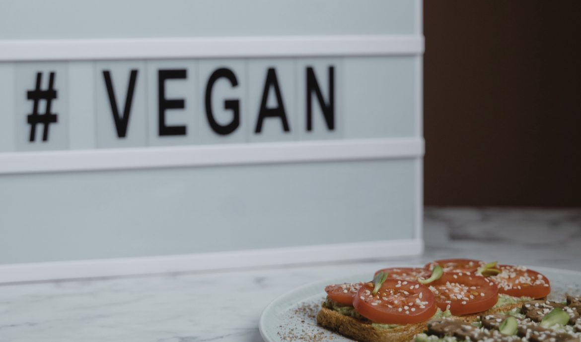 Renew Your Health Goals: Try a Vegan Diet with These 5 Vegan Meal Kit Subscriptions Conveniently Delivered to Your Door